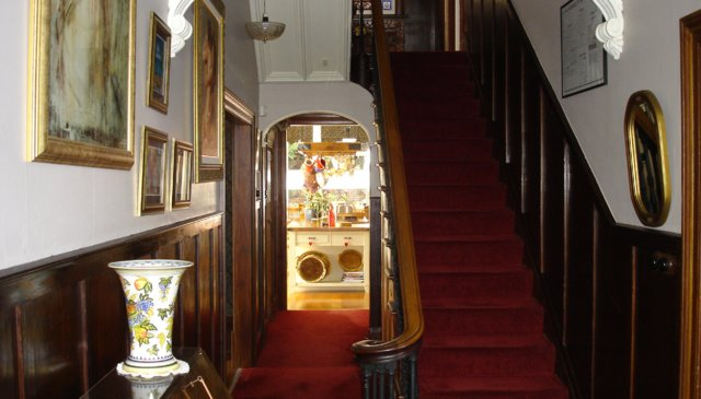 19th Century 2 storey, Victorian Villa. Recently renovated living areas.