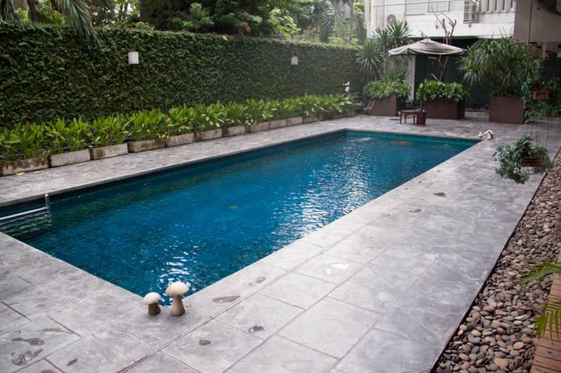 Stunning Pool Side Apartment