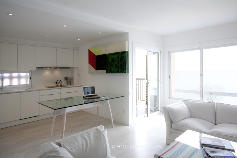 Designed apartment by the sea, near Barcelona