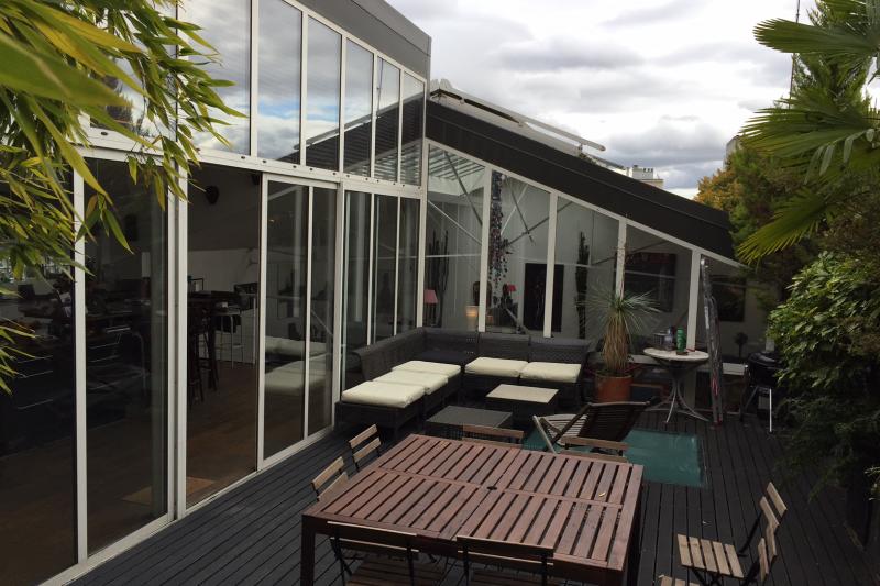 Loft de 300m2 avec terrasse a 200 m de paris 20 m for Restaurant avec terrasse ile de france